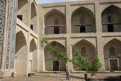 Medrasa Modari Khan, Buchara