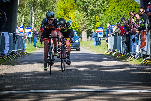 Sprint-a-deux between Annet Pit and Mareille Meijering.