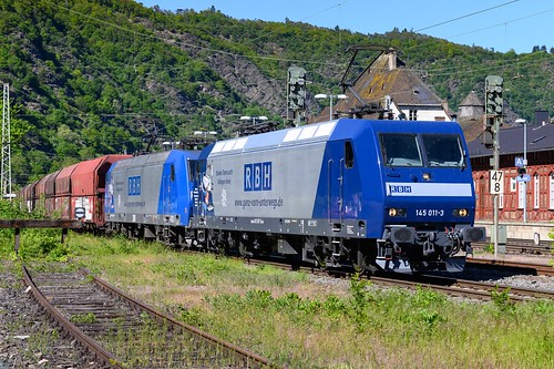 Blue engines on a blue day ... Two RBH BR145 seen in Cochem, Germany ☀️🚆
