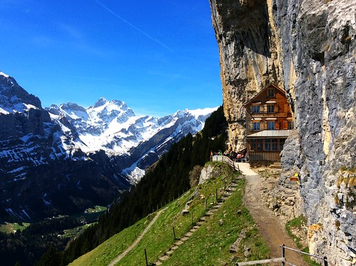 Berggasthaus Äscher / Mountain hut Aescher / Хижа Ешер