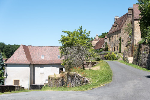 Typical roofs of the Dordogne region as seen at Paunat