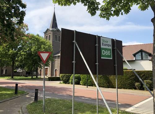 Roosteren - Maasheuvel (backside)
