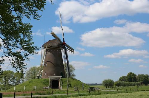 Nederland - Gelderland - Bronkhost -          De Bronkhorster Molen