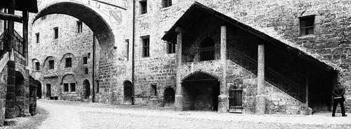 Im Innenhof der Burg zu Burghausen