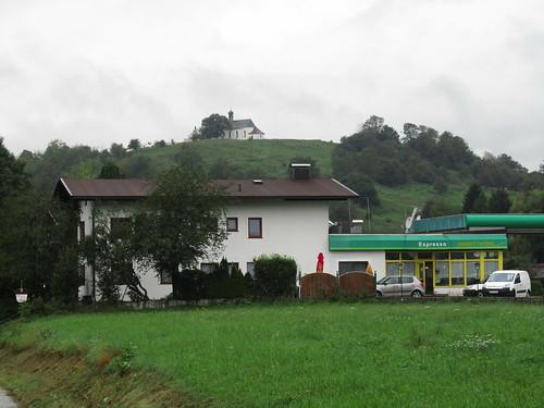 20110908 23 317 Jakobus Hügel Kirche Turm Häuser