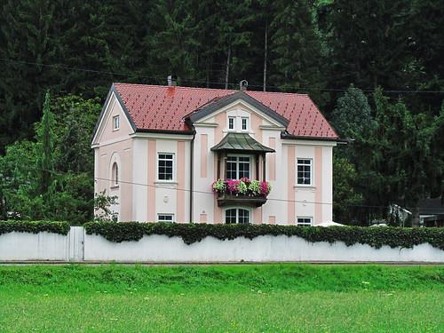 20110908 23 311 Jakobus Haus Mauer Bäume