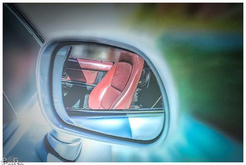 Der Autositz im Spiegel / The car seat in the mirror
