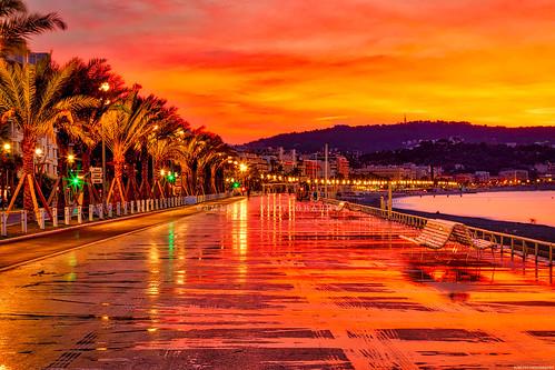 Nice : La promenade des Anglais au petit matin - Côte d'Azur France