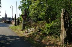 L'alignement de menhirs du bourg de Saint-Just - Ille-et-Vilaine - Septembre 2018 - 01 - Photo of Bruc-sur-Aff