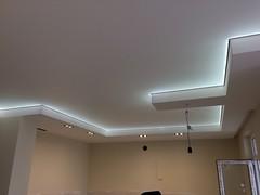 Transparentne i podświetlane sufity20