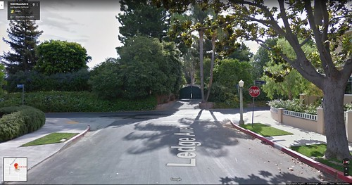 Bloomfield St, Toluca Lake, CA - Looking East towards Ledge Av