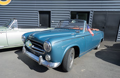 Peugeot 403 Cabriolet - Photo of Saint-Côme-du-Mont