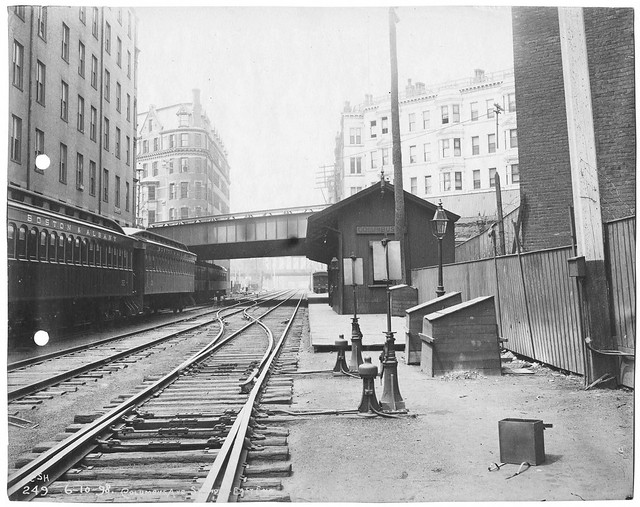 Photo:Bost & Albany RR Columbus_Avenue_station_1898 By clamshack