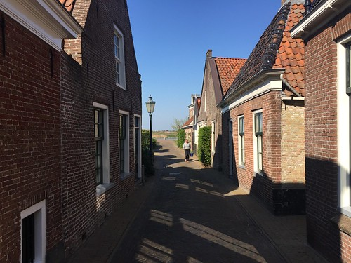 Small street in Woudsend (The Netherlands 2019)