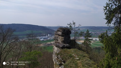 Wolfsberg Lime Rocks shot in 12MP with a Redmi Note 7