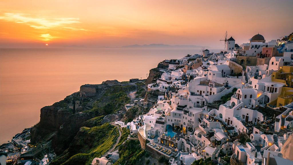 Sunset in Oia, Santorini, Greece picture