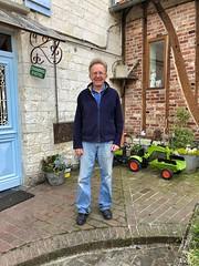Herr Jean-Baptiste Gevas, sehr netter Betreiber der Pilgerherberge in Amettes.