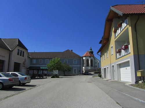 20110826 10 219 Jakobus Kollmitzberg Kirche Straße Häuser