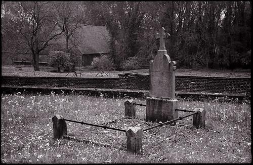 Tombe dans un cimetière rural