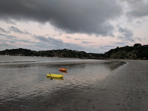 Back at Oneroa Beach for the sunset