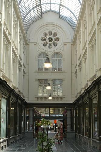 CHARLEROI - Passage de la Bourse