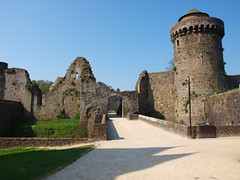 Primera impresión (Castillo de Fougéres) - Photo of Fleurigné