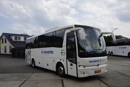 Temsa MD 9 Van Kooten Reizen 58 met kenteken 30-BJD-7 in Kootwijkerbroek 18-05-2019