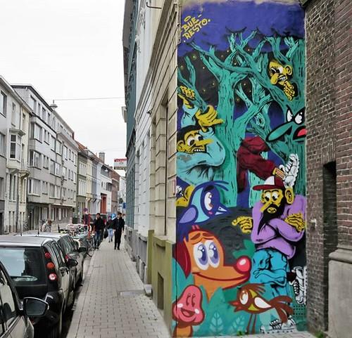#Ghent update : great that this wall got a new look, a collab by #Resto & #buethewarrior. . #Gent #streetart #mural #urbanart #graffitiart #streetartbelgium #graffitibelgium #visitgent #muralart #streetartlovers #graffitiart_daily #streetarteverywhere #st