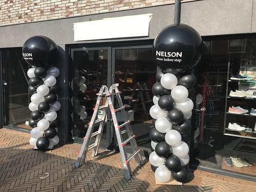 Ballonpilaar Breed Rond Bedrukt Nelson Schoenen Katwijk