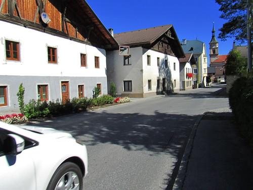 20110913 28 259 Jakobus Silz Straße Straßenfassade Kirche Turm