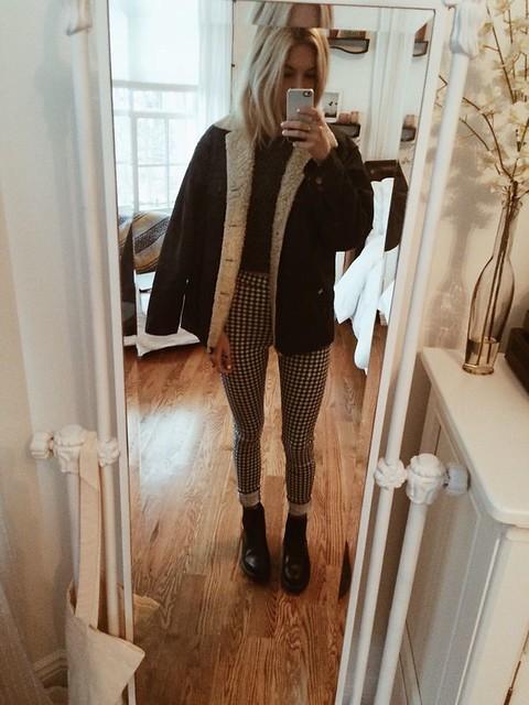 ootd // topshop gingham jeans, brandy melville crop top sweater, doc marten flor…