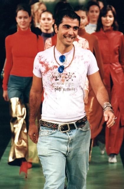 Inverno 2000 - Desfile Rosas e Lírios por Fause Haten