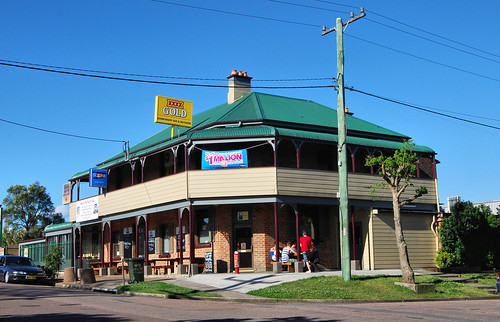 Largs Hotel, Largs, NSW.