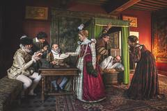 1565 - La course au logement - Photo of Montours