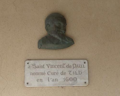 Tilh, Landes: Église Saint-Pierre-ès-Liens  des XIe et XIIe siècles, sculpture réalisée par Cel le Gaucher (Marcel Canguilhem)