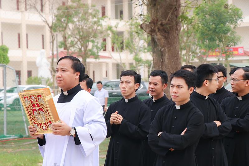 Thánh lễ Truyền Dầu