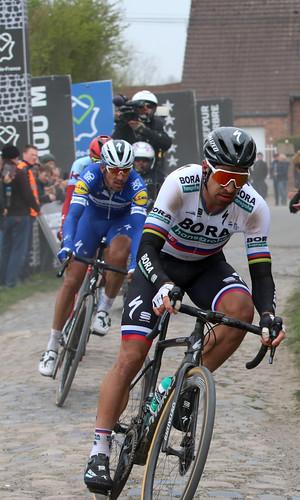 Paris-Roubaix 2019: n°1 Peter Sagan (SVK) Bora - Hansgrohe n°64 Philippe Gilbert (BEL) Deceuninck - Quick - Step