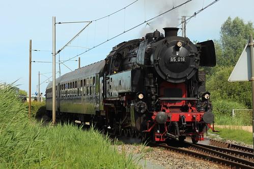 2018-07-07; 0229. SSN 65018 en 01 1075 met trein 39395. Bovenkarspel-Grootebroek. Bello Festival, 50 jaar SHM.