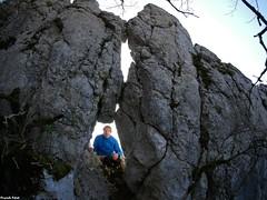 Trou dans la Falaise de la Pissouse - Salins les Bains - Jura (inédit)