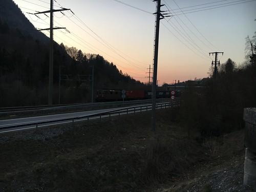 Güterzug an der Lötschberg-Linie bei Mülenen