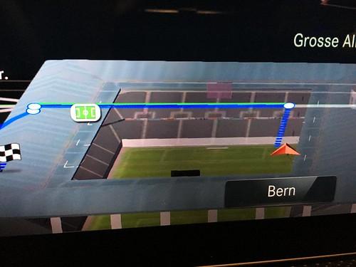 Wenn dein Auto im Navi sogar den 16-er im Stade de Suisse anzeigt...