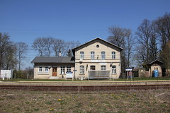 Stara Kamienica train station
