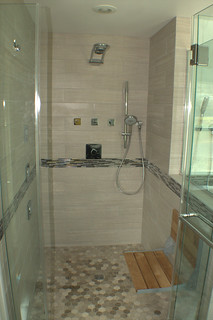 UNIVERSAL-DESIGN-SHOWER