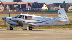 Mooney M20J HB-DHL Alpine Tours - Photo of Hangenbieten