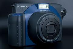 Vorderansicht einer Fujifilm Instax 100