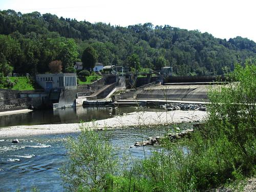20110831 15 252 Jakobus Traun Fluß Kraftwerk Wald