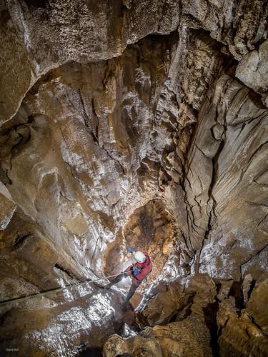 Descente dans le gouffre du pré clos - Chaux-les-Passavant (25) - France