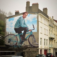 What a #mural ! #savetheplanet / #streetart by #FintanMagee. . #boulognesurmerstreetart #urbanart #graffitiart #streetartfrance #streetartboulognesurmer #urbanart_daily #graffitiart_daily #streetarteverywhere #streetart_daily #mural #ilovestreetart #igers