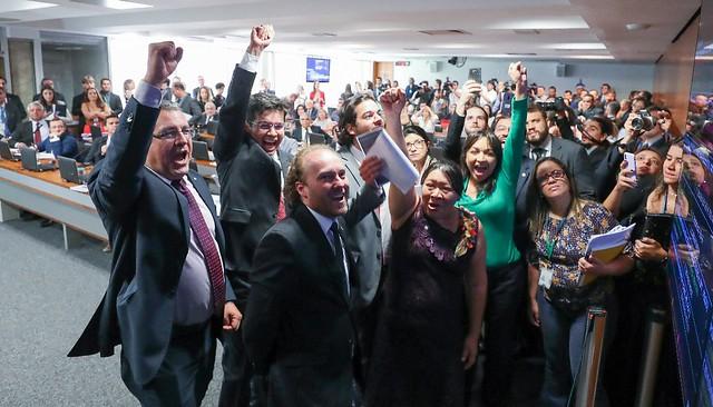 Deputados de oposição comemoram alterações no texto da MP870 - Créditos: Lula Marques