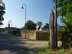 L'alignement de menhirs du bourg de Saint-Just - Ille-et-Vilaine - Septembre 2018 - 02 - Photo of Bruc-sur-Aff